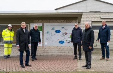 besuch minister buchholz westkueste 100 laegerdorf